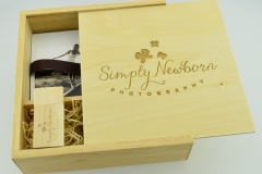 Wooden box & USB